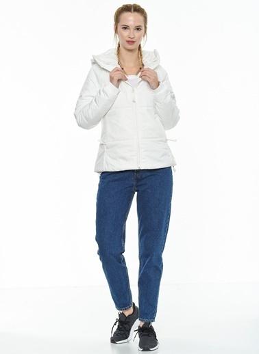 adidas Outdoor Şişme Mont Beyaz
